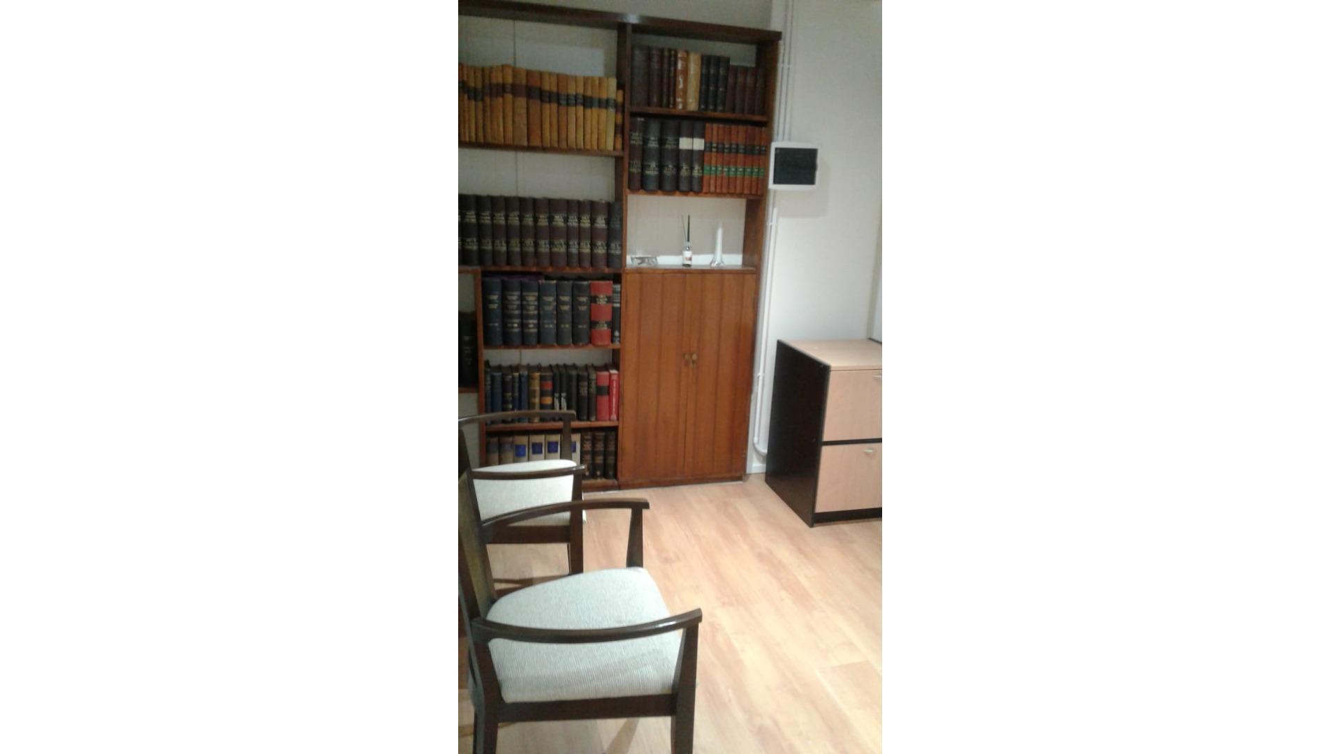Av. Gral Paz 100 5° - $ 9.000 - Oficina Alquiler