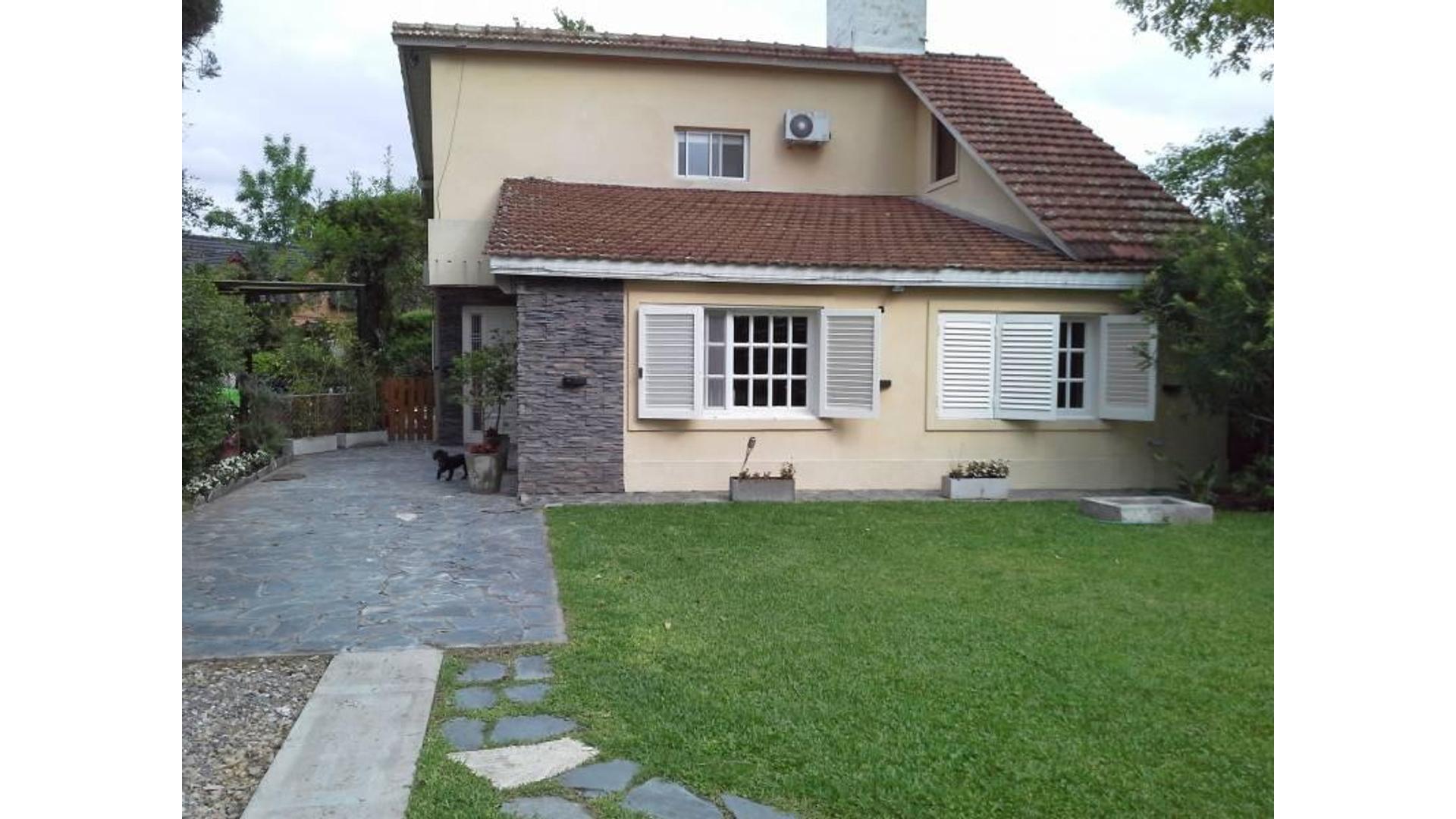 Aranzazu Lote / N° 0 - U$D 185.000 - Casa en Venta