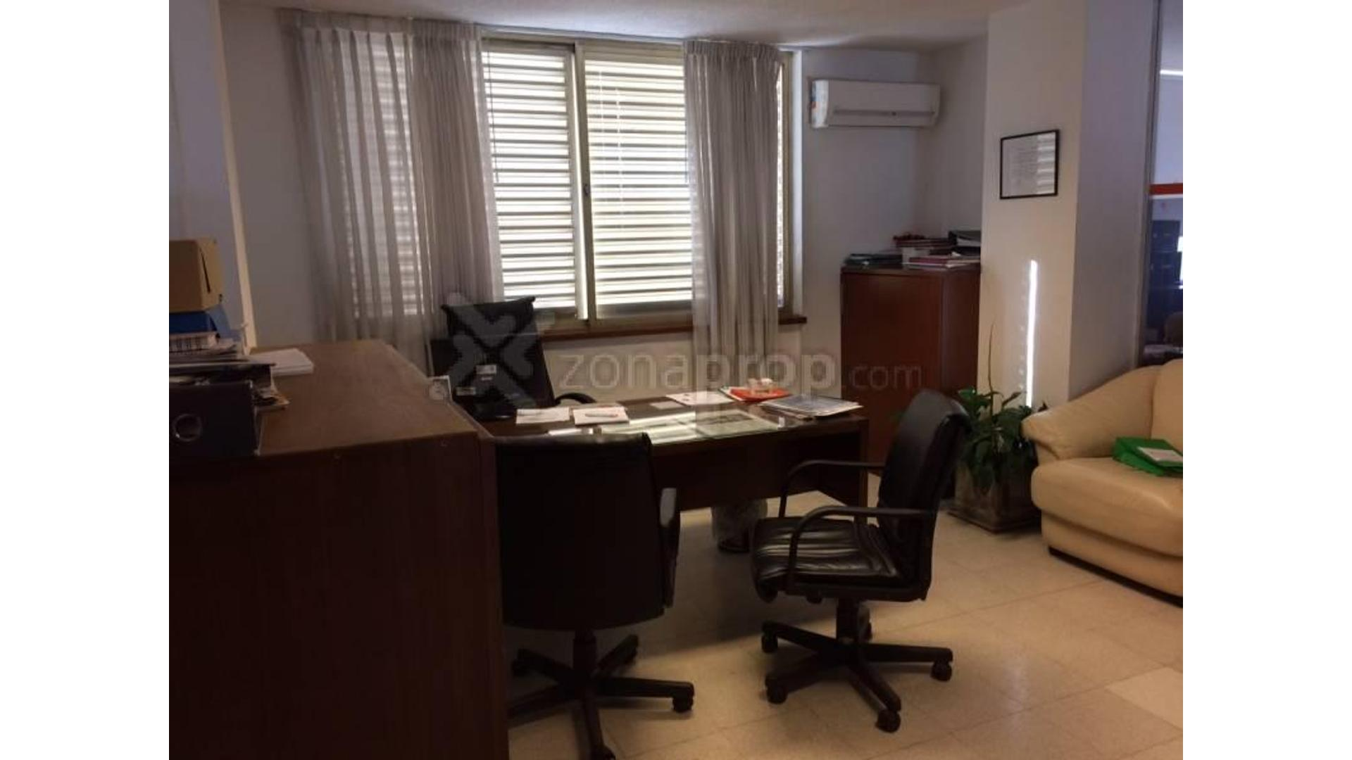 Mariano Moreno 400 - U$D 250.000 - Oficina en Venta
