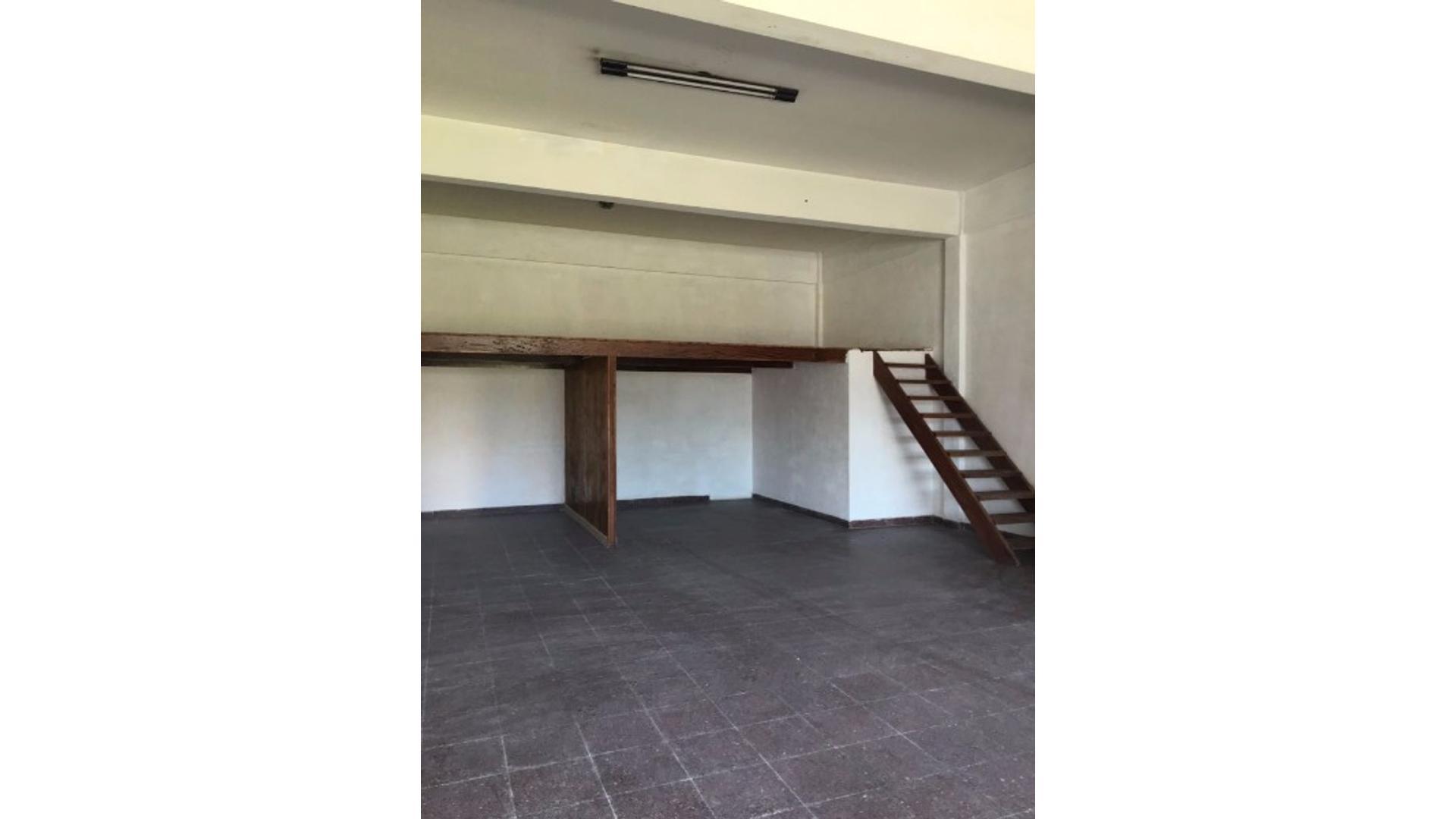 Av Fortunato De La Plaza 6100 - $ 12.000 - Local Alquiler