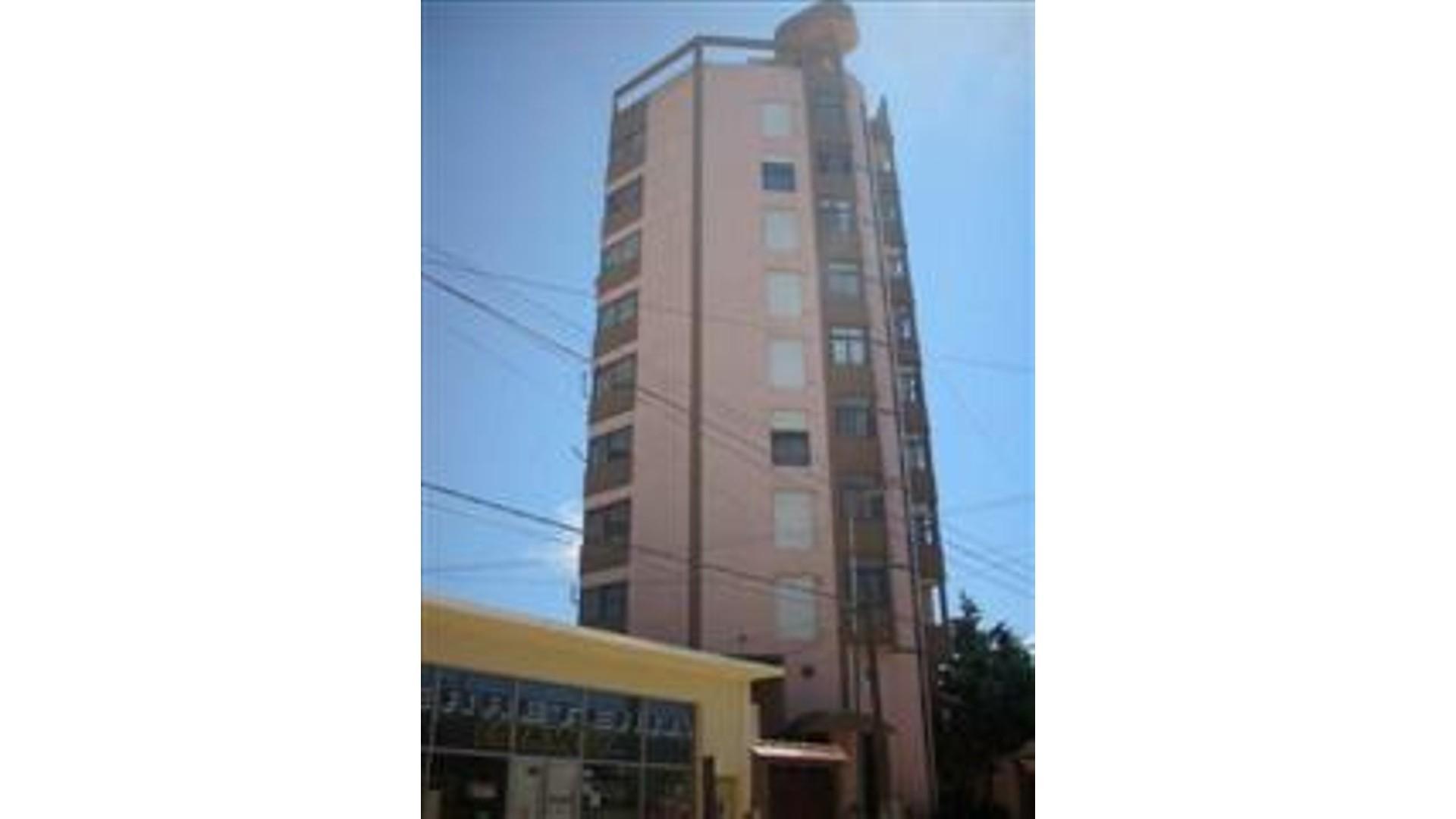 Calle 1 1800 5° - U$D 75.000 - Departamento en Venta
