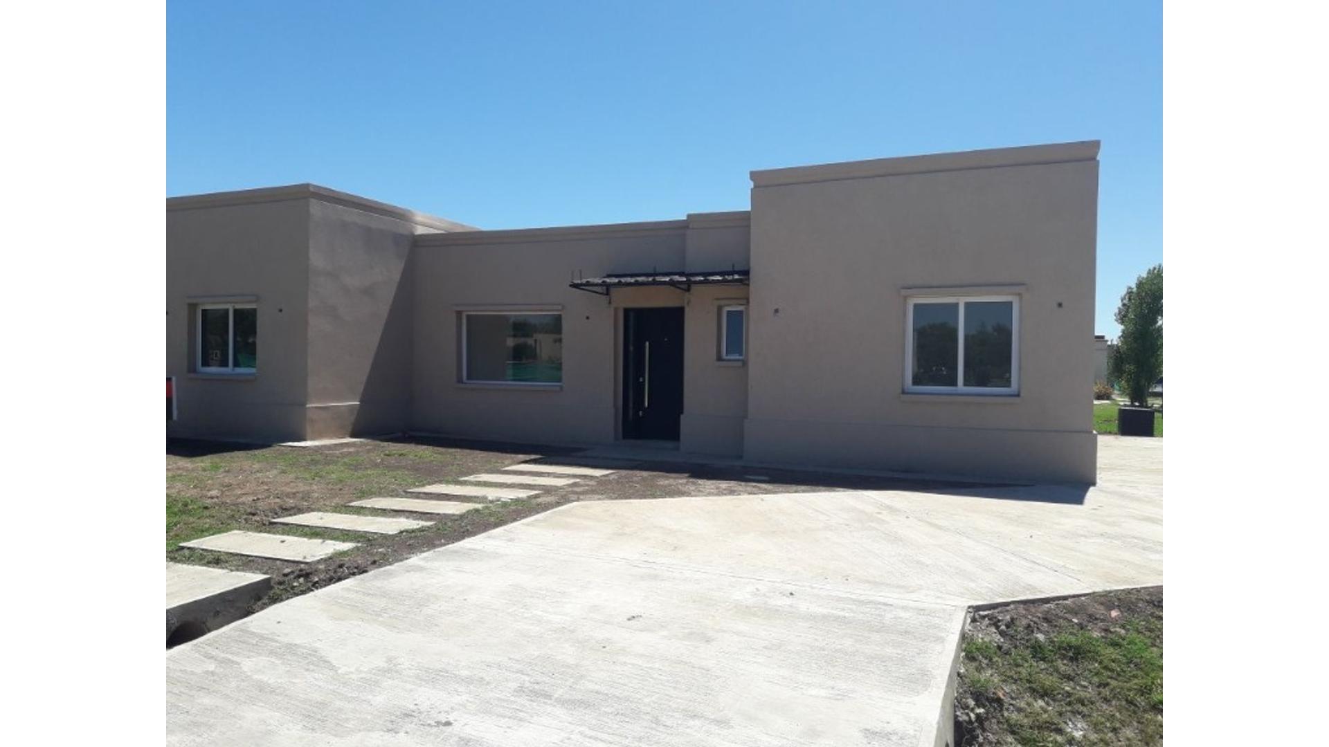 Manzanares Chico Lote / N° 0 - U$D 160.000 - Casa en Venta