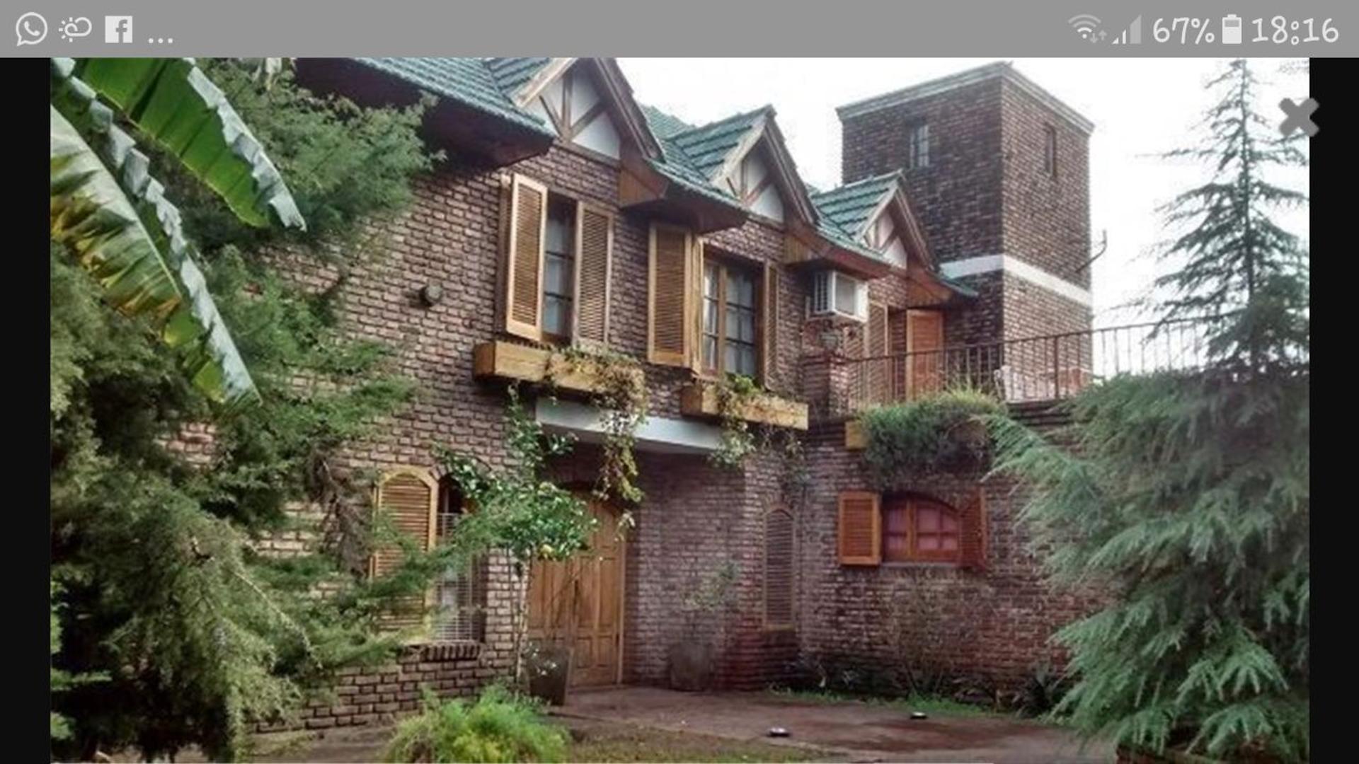 1549364619 (whats App) 400 - U$D 250.000 - Casa en Venta