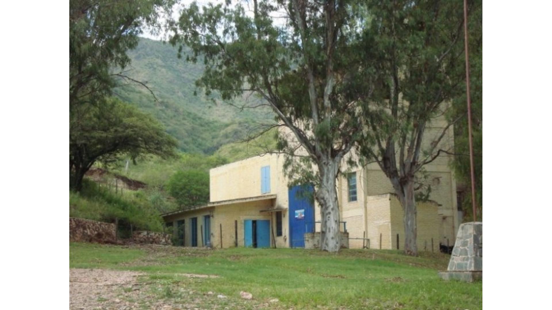 Vendo Casas Y Departamentos A Reciclar 100 - $ 1.800.000 - Fondo de Comercio en Venta
