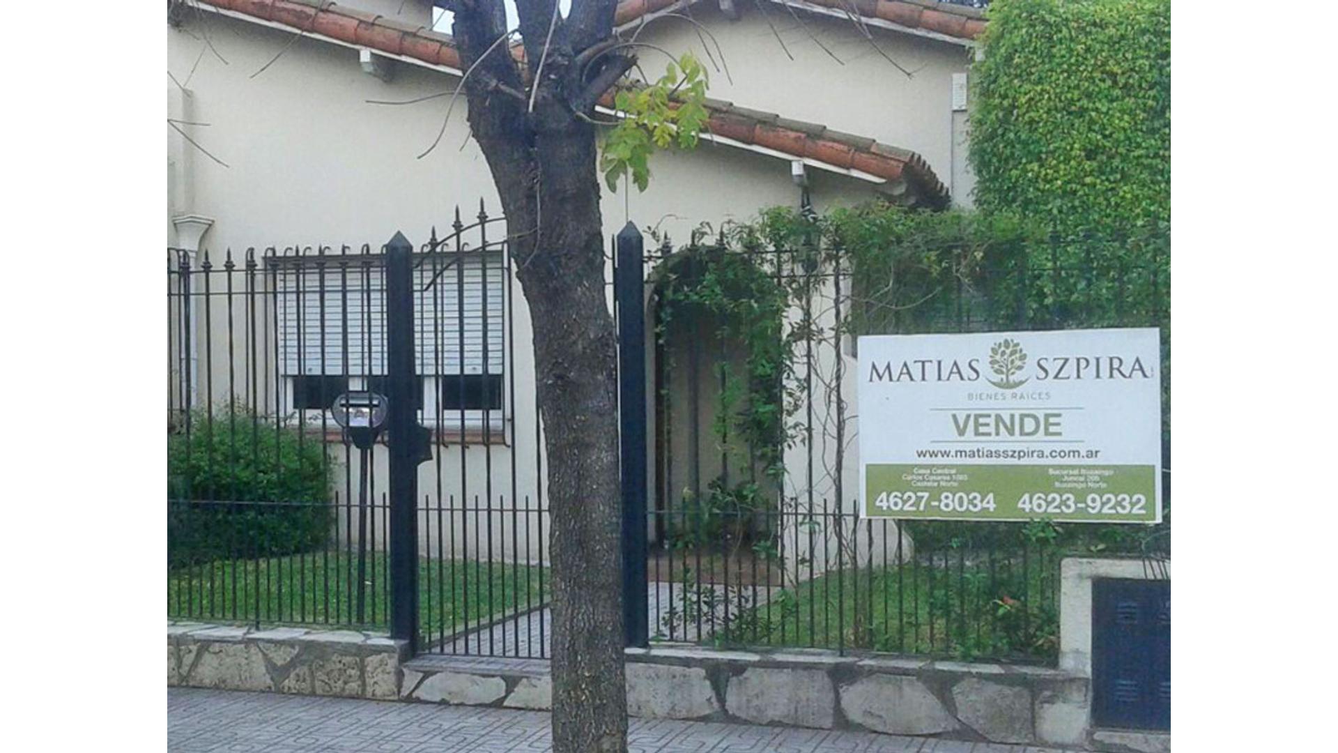 Mercedes 1100 - U$D 275.000 - Casa en Venta