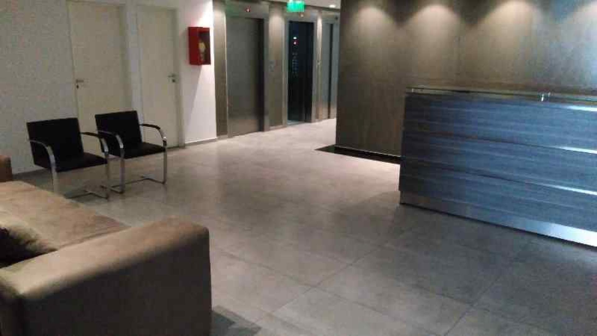 La Rioja 400 - $ 4.000 - Oficina Alquiler