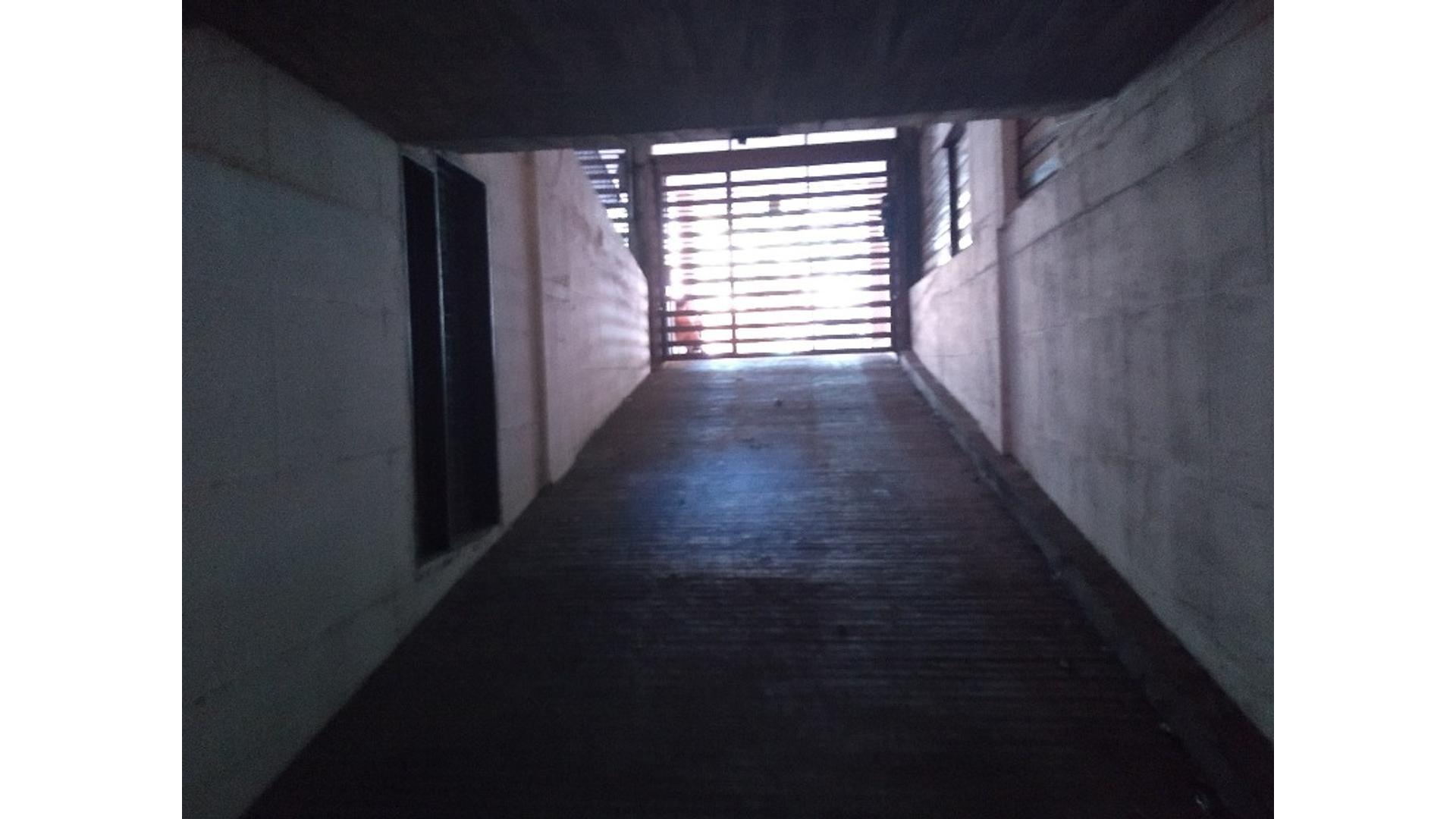 Avenida Velez Sarsfield 800 - U$D 19.800 - Cochera en Venta