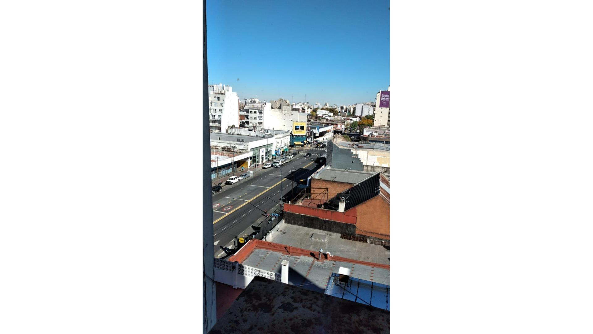 ALQUILER 2 AMBIENTES . EXCELENTE UBICACIÓN  EN FLORES!!!