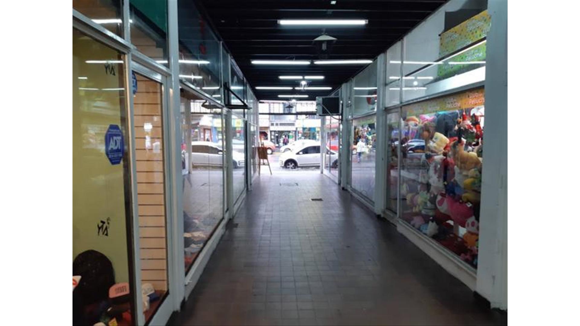 B Mitre 100 - Consulte precio - Local Alquiler