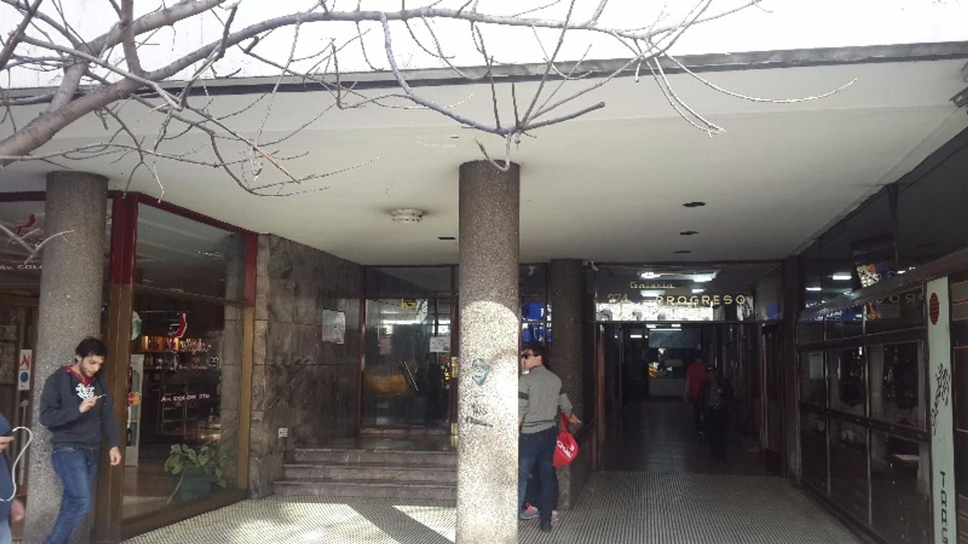 Avenida Colon 200 - U$D 38.000 - Oficina en Venta