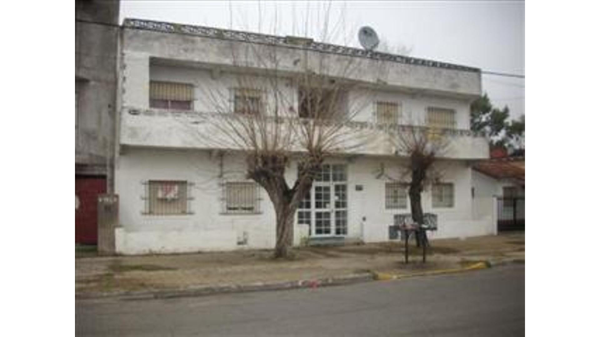Calle 5 1500 1° - U$D 36.000 - Departamento en Venta