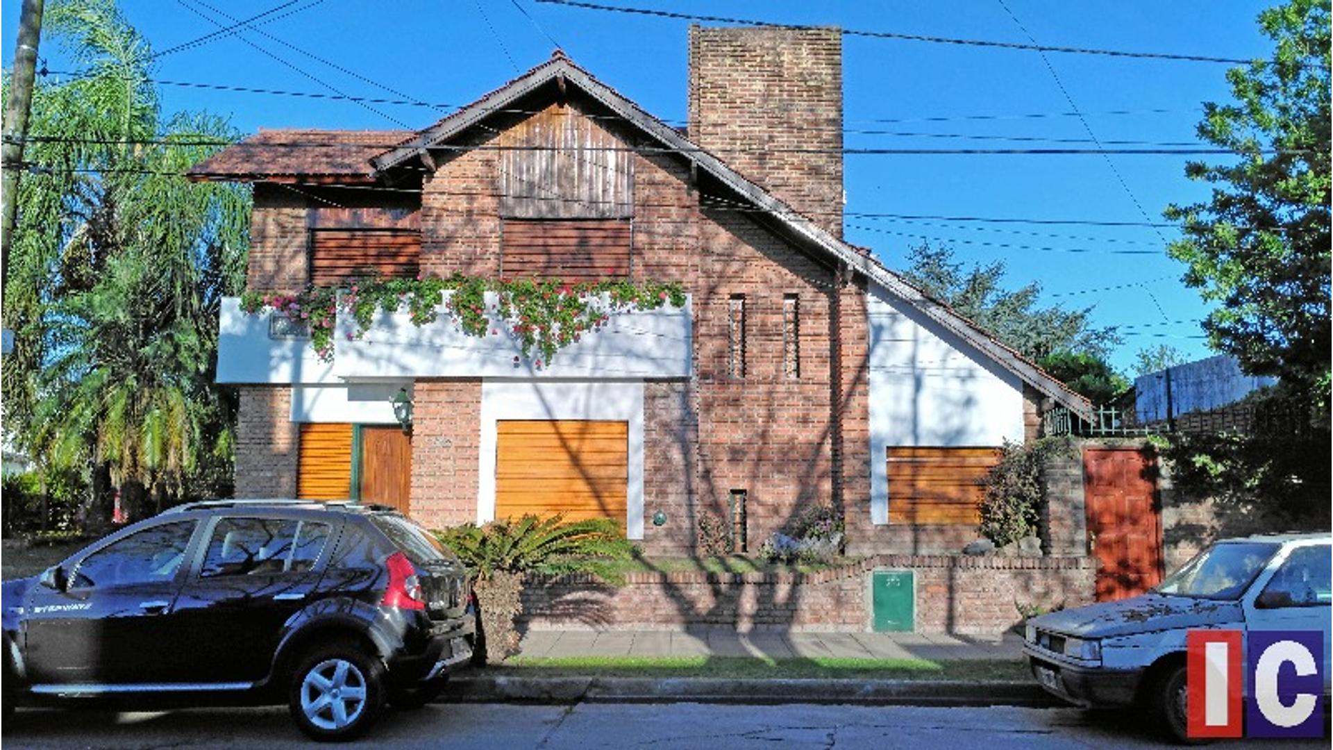 Italia 1000 - U$D 240.000 - Casa en Venta